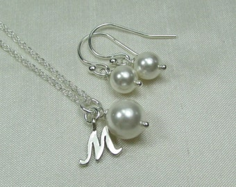 Pearl Bridesmaid Jewelry Set Bridesmaid Necklace Earrings Set Pearl Initial Necklace Bridal Jewelry Set Bridesmaid Gift Wedding Jewelry Set