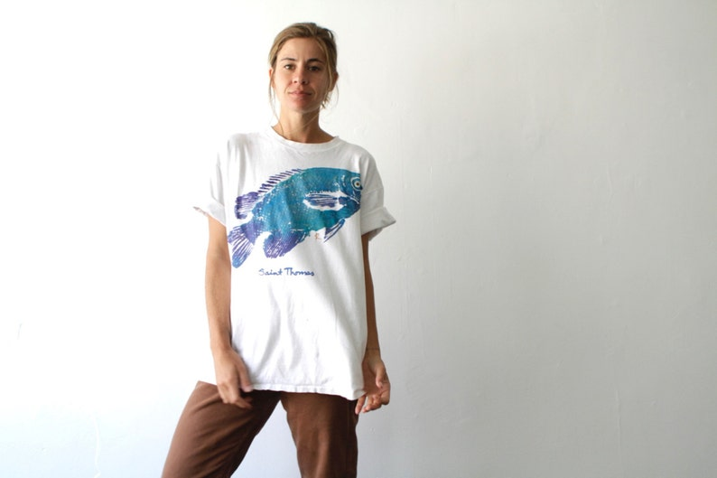 90s GRUNGE teal FISH flipper huge t-shirt white top