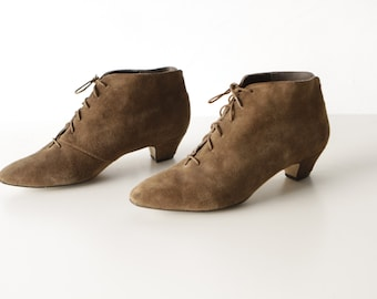 size 10 women's ANKLE BOOTIES witchy pointed toe HEEL suede brown shoes
