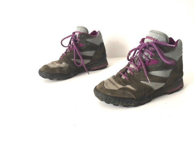 41510fc9806 REEBOK women s size 7 HIKING boots vintage leather suede SIZE 7 grey    purple lace up