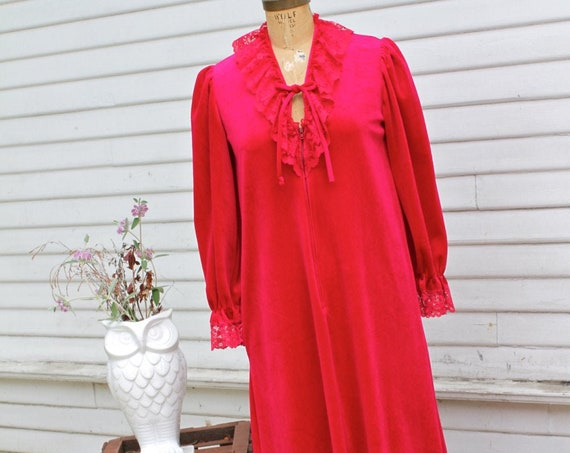 SALE Miss Dira 70's Vintage Robe, Nightgown, Fuschia Hot Pink Velvety Velour Lace Trim, New York, House Coat, Long Sleeves, Maxi, Small
