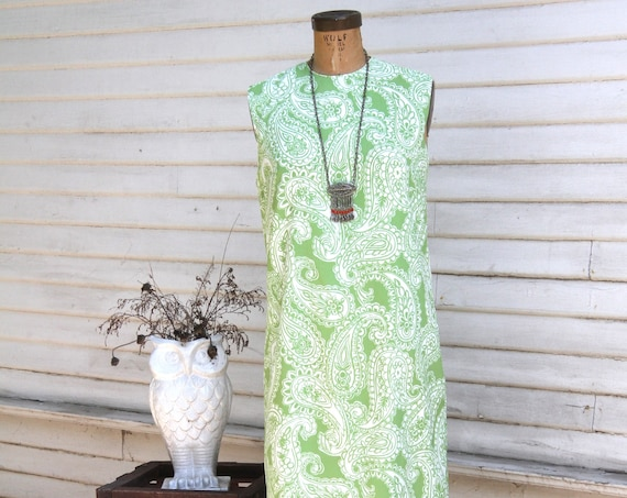 Vintage 1960's Green and White Paisley Print Shift Dress, Day Dress, Sheath Dress, Sleeveless, Knee Length, Midi Dress, Mini Dress, Medium
