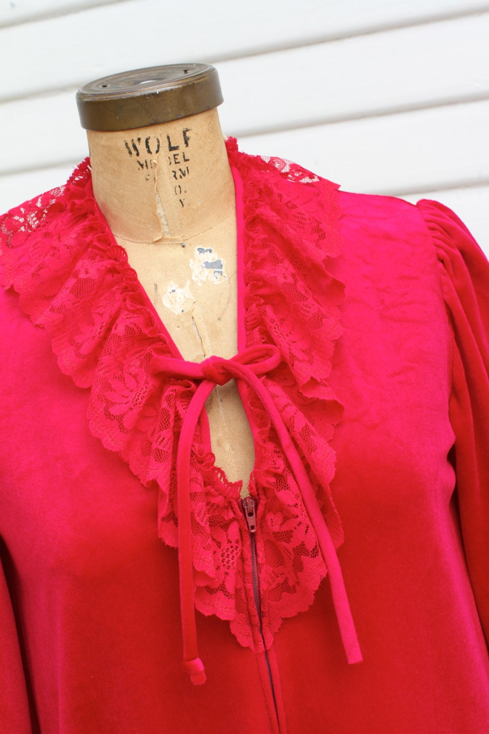 Sale Miss Dira 70 S Vintage Robe Nightgown Fuschia Hot Pink Velvety Velour Lace Trim New York House Coat Long Sleeves Maxi Small