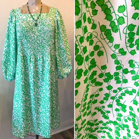 1970's Vintage Midi Dress with Balloon Sleeves, Green and White, Square Neckline, Jamison Boutique, Roomy Small to Medium or Large