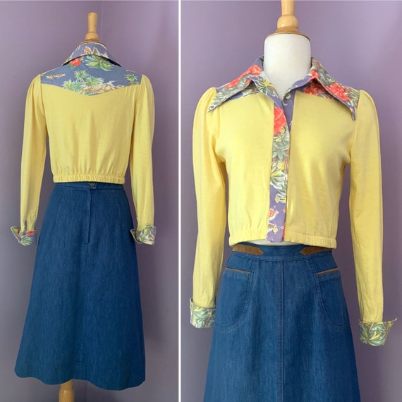 1970's Contempo Casuals, Cropped Yellow Blouse with Collar and Cuffs, Novelty Print, Cotton Jersey, Small/Medium