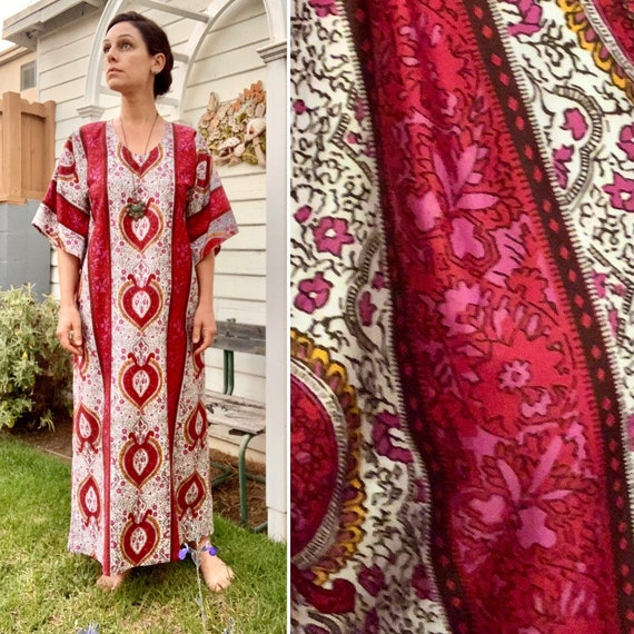 Vintage Reproduction: Queen of Hearts Kaftan, 1970s Maxi Dress, Vintage Polished Cotton, Dashiki, Free Size