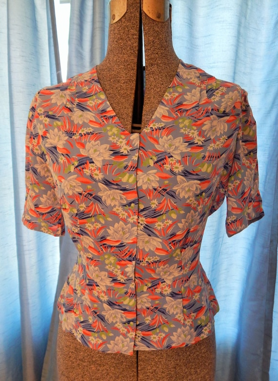 1940's Cold Rayon Water Lilly Blouse - image 2