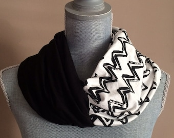 Infinity Scarf with Hidden Pocket - Reversible Knit Black and White Chevron