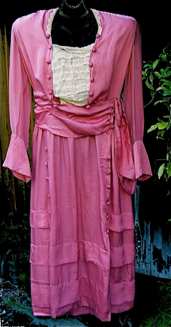 Lovely Authentic Antique Edwardian Pink Silk & Lac