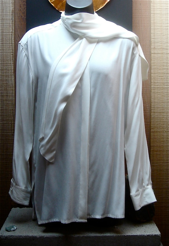 Vintage 1980s Sophisticated Classic Lizsport White