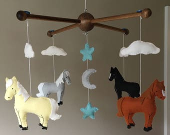 Horse Nursery Mobile , Horse Baby Mobile, Country Nursery Decor, Felt Horses, Moon & Stars Mobile, Baby Girl Mobile