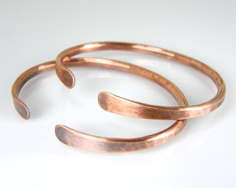 Hammered Copper Wire Bracelet, Mens or Womens Rustic Antiqued Copper Bracelet, Copper Bangle, 8 Gauge Wire