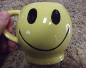 Vintage Mug - The ORIGINAL Smiley Face Mug by McCoy Pottery from the 1970s