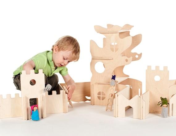Modulaire maison dans les arbres et les murs du bâtiment / / naturel bois maison de poupée jouet sera créativité //Modular défi enfants blocs de construction