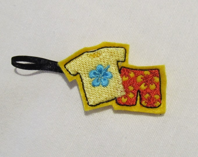 Hawaii t-shirt and pants key fob, feltie, mini machine embroidery design, felt outline mini embroidery keyfob ITH in the hoop embroidery