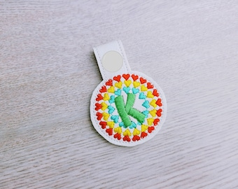 Circle heart rainbow monogram monograms alphabet key fob ITH snap tab machine embroidery design, keychain in the hoop embroidery project A-Z