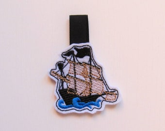 Ship key fob feltie, mini machine embroidery design, felt outline mini embroidery, keyfobs felties in the hoop embroidery project