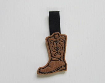 Cowboy boot key fob, feltie, mini machine embroidery design, felt outline mini embroidery keyfob keychain in the hoop embroidery project
