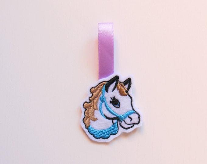Horse head key fob, feltie, mini machine embroidery design, felt outline mini embroidery, key fob keychain in the hoop embroidery project