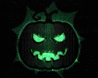 Scary pumpkin / Glow in the dark special designed machine embroidery / sizes 4x4 and 5x7 / file INSTANT DOWNLOAD
