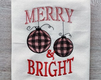 Merry and Bright Merry Christmas gingham old fashioned classic Kitchen dish towel quote machine embroidery designs 4x4, 5x7