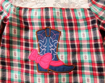 Cowgirl Coouture Cowboy boot with bow  - machine embroidery applique designs