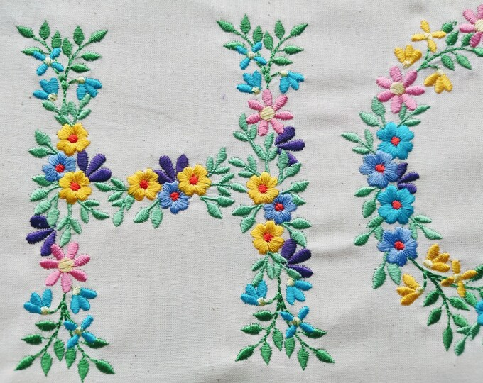 Country Floral letter H garden flag monogram flowers flower flowered Font machine embroidery designs monogram H only 3,5, 4, 5, 6, 7, 8 in