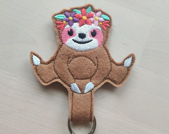 Sloth Floral crown, sloth with flowers, ITH key fob, mini embroidery design, key fobs feltie in the hoop embroidery project