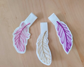 Feather key fobs in the hoop embroidery, feather key fob, ith key fob embroidery design, key fobs feltie, 3 types keyfob embroidery project