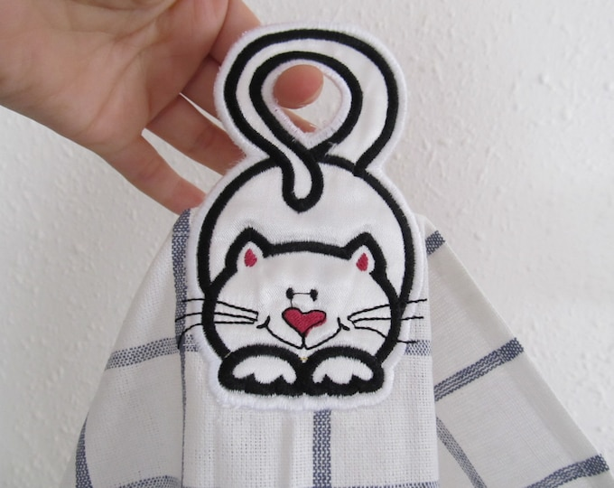 """Funny cat - towel hanging hole - """"In The Hoop"""" machine embroidery design, ITH project, for hoop 5x7"""