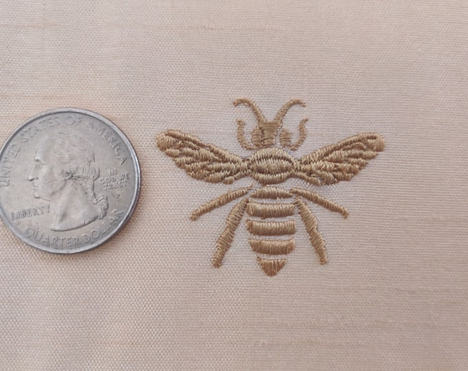 Little add on bee embroidery design - machine embroidery fill stitch design great accent for your fabric!  assorted mini sizes