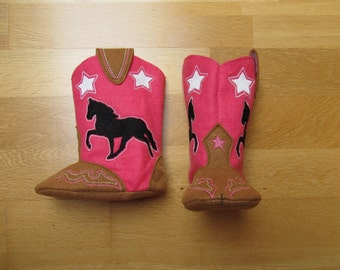 Noisy Baby Cowboy boots - Felt in the hoop project - cowboy boots pattern - machine embroidery ITH design baby cowgirl boots farm