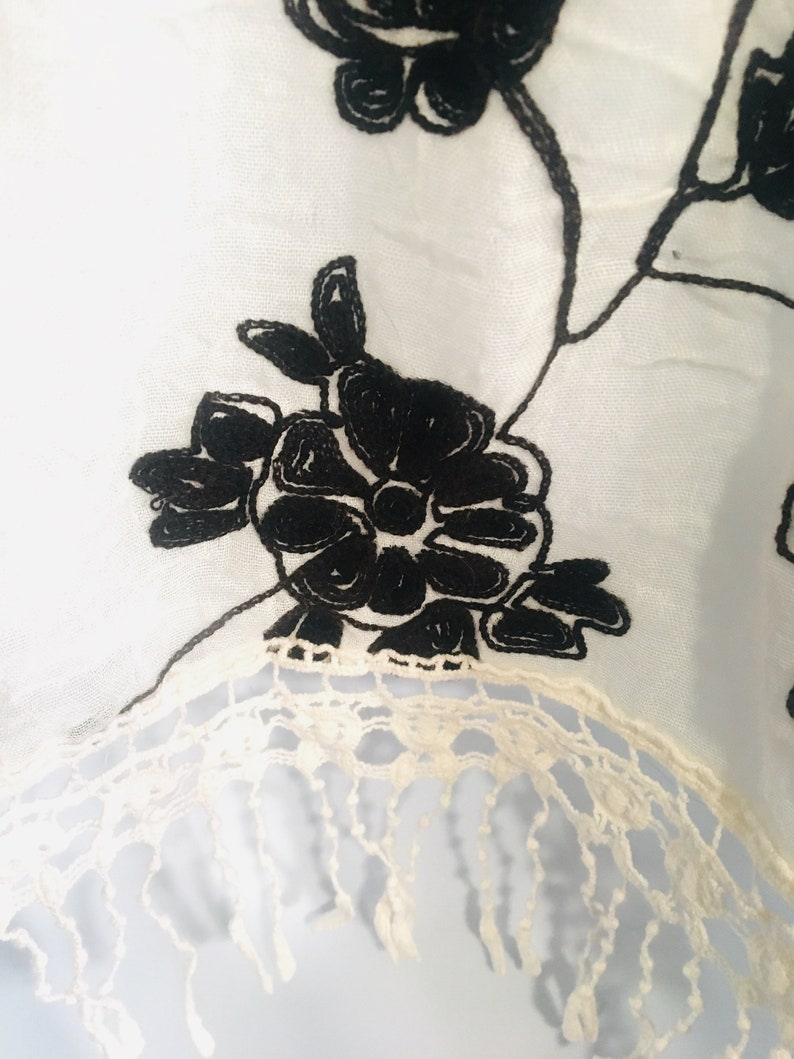 Adorable Boho Fringe Bottom Floral Top