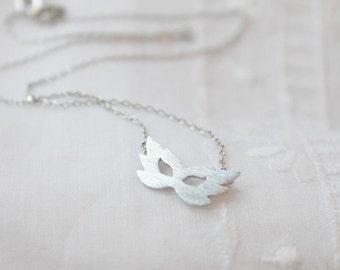 Tiny Fairy Mask Necklace - S2226-1