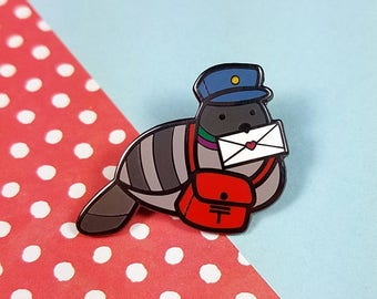 Pigeon post enamel pin 3cm - bird dove mail delivery lapel pin brooch badge flair collar pin hat pin nature animal