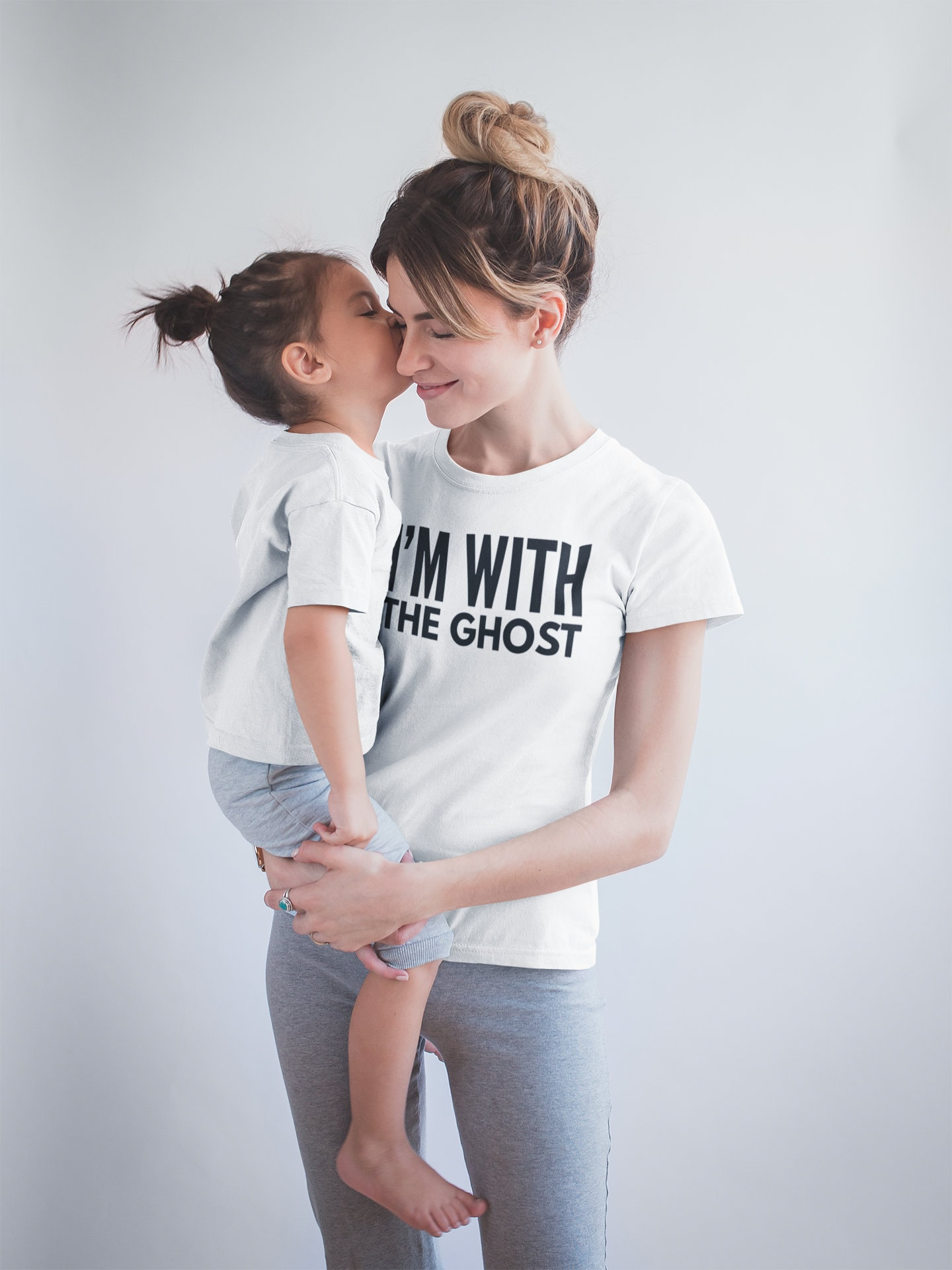 Im With The Ghost Unisex Halloween T Shirt Mother Etsy