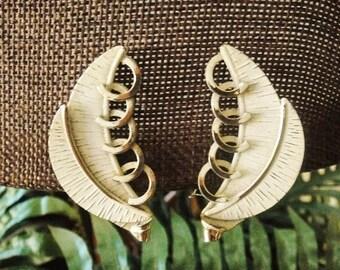 Vintage Earrings Leaf Design