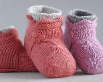 Baby booties knitting Pattern  'Lila Stay-On Bootie' , a knitting pattern for baby girls and handmade baby shower gift