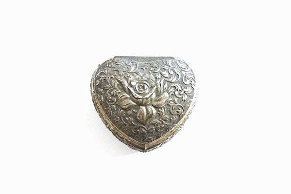 Silver Ring Box / vintage ring box .  Heart Ring B
