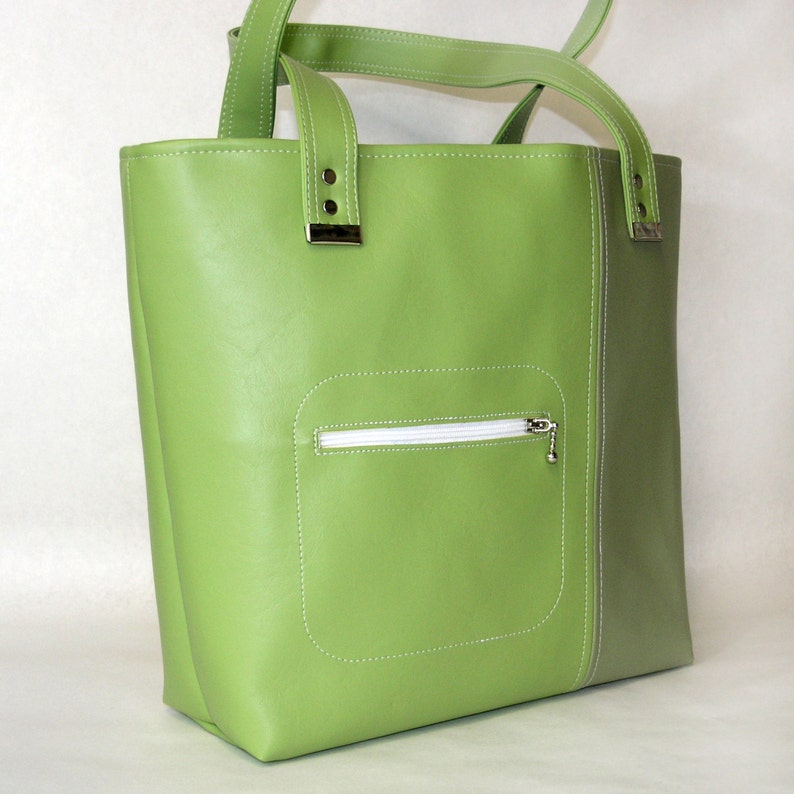 Vegan Carry All Tote Bag Lottie. Purse Shoulder bag in Apple  1bfd12a8b71e5