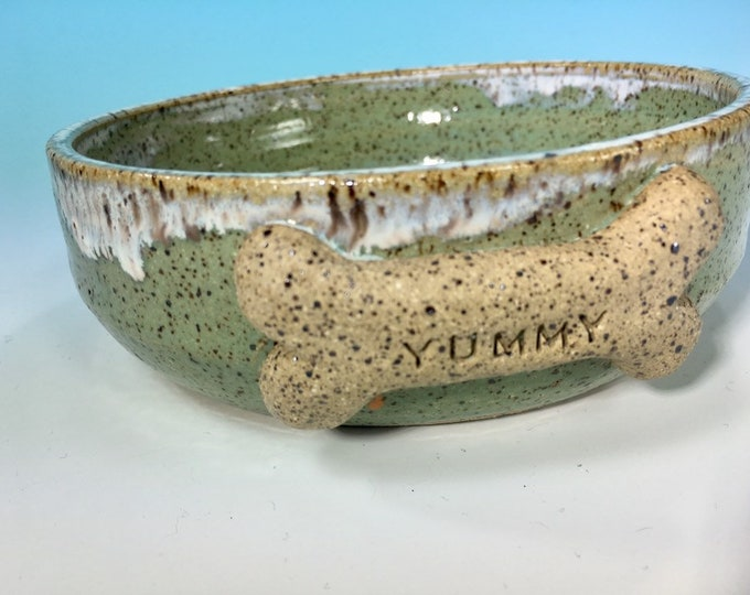 """Turquoise Dog Bowl with """"Yummy"""" Bone // Medium Handmade Dog Food Dish // Gifts for Dogs or Dog Lovers - READY TO SHIP"""