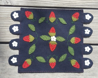 Juneberries kit in woolfelt