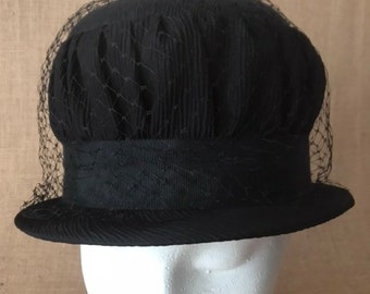 a037e058ad9 Vintage Ladies Black Hat GORGEOUS with Netting
