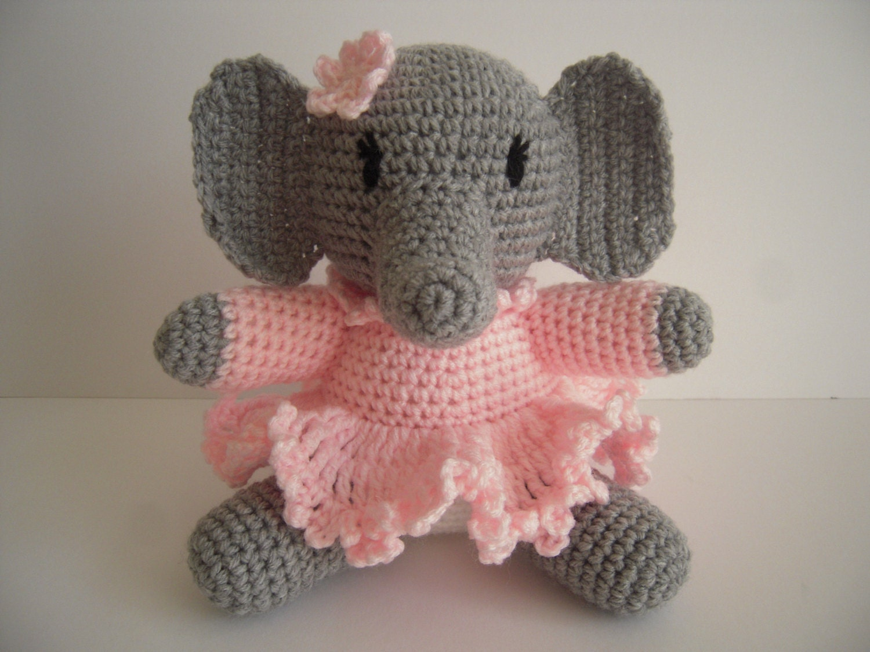 Pink crochet elephant pattern - Amigurumi Today | 1125x1500