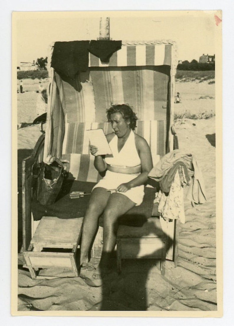 Vintage Photo Beach Reading 28