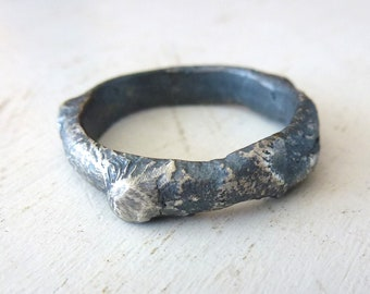 Ring for Men, silver band for men, Blackened Sterling Silver Ring, textured Silver Wedding Ring, Artisan band, Contemporary art jewelry