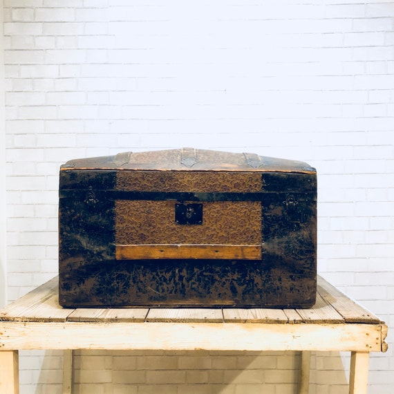 Antique Camelback Trunk L Wood L Metal L Steampunk Etsy