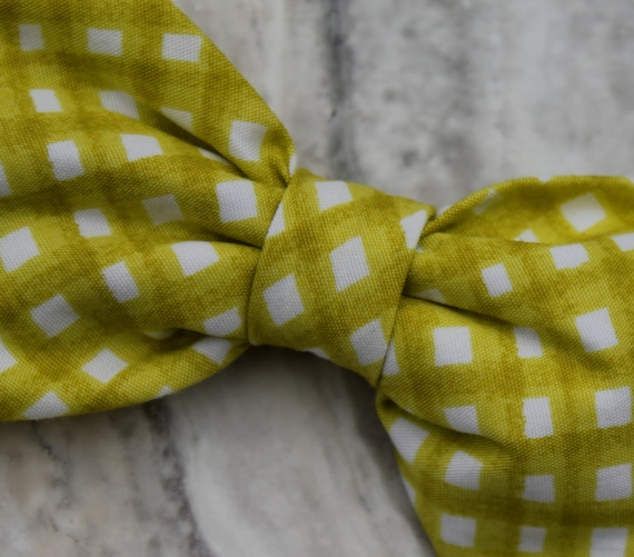Bow tie for men or Boys  in Organic Green Gingham Bow tie - clip on, pre-tied with strap or self tying - wedding ring bearer outfit