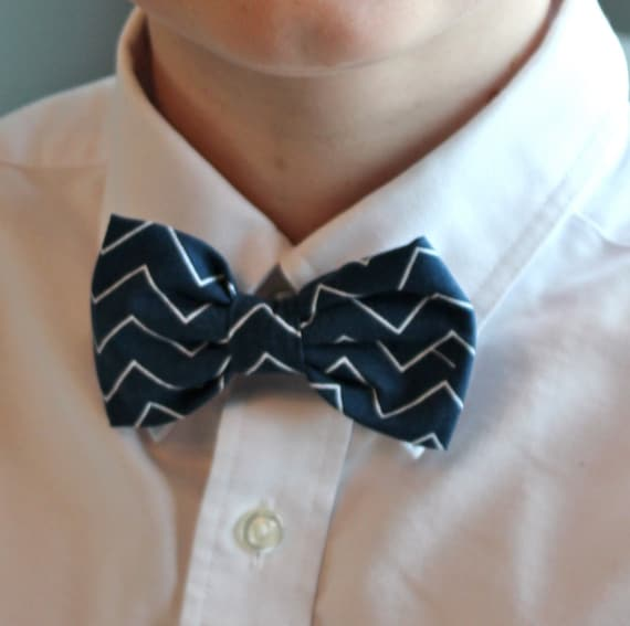 Navy and White tiny Chevron Bow Tie for boys - Clip on, pre-tied with strap and self tying