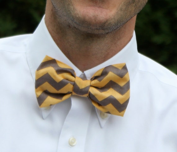 Bowtie in yellow and gray Chevron for men or boys- clip on, pre-tied with adjustable strap or self tying - ring bearer outfit